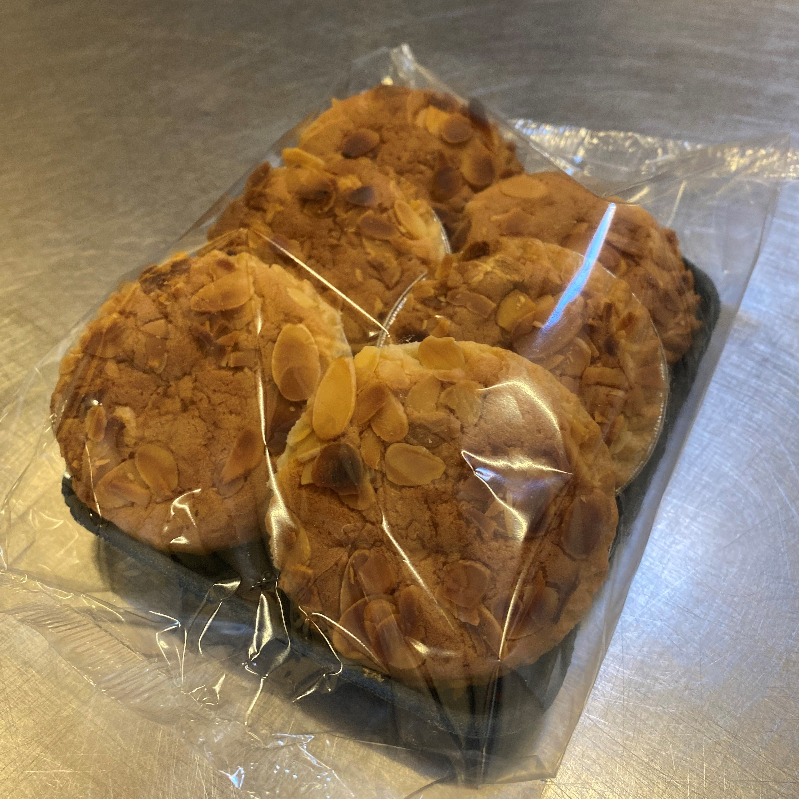 Small nutty Bakewell (pack of 6) - £2.50